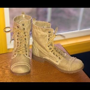 EUC Tan Washed Canvas Blowfish Lace-Up Boots